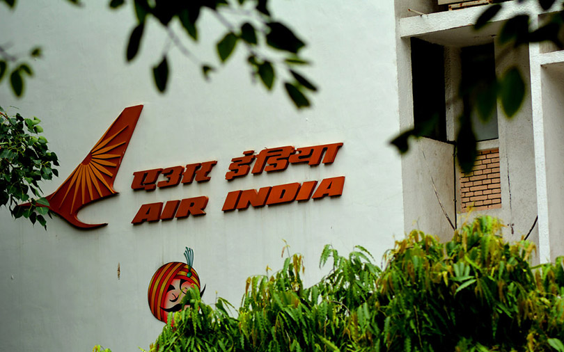 Govt says no bids received for Air India so far, won't extend May 31 deadline