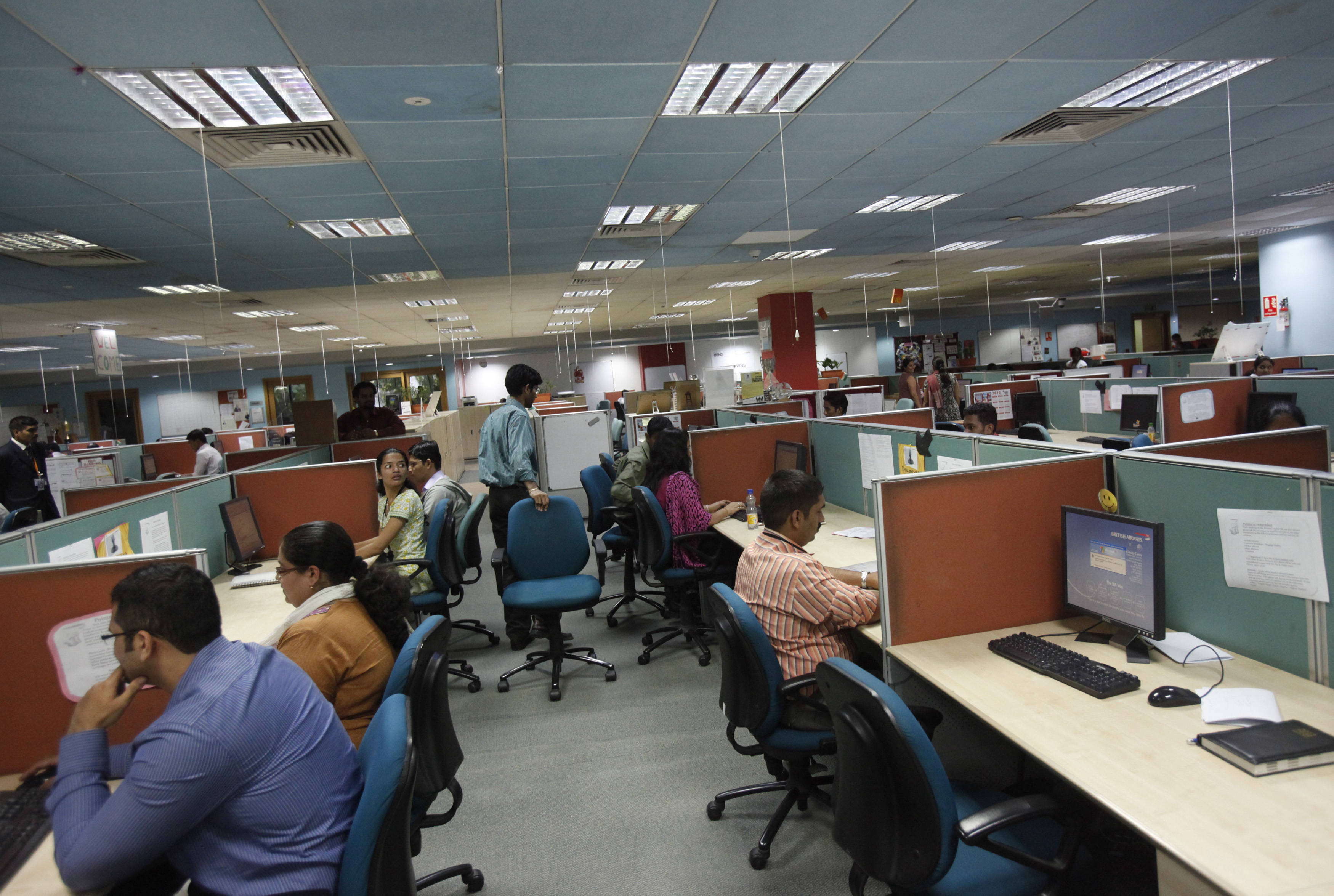 India's services activity accelerates in Feb as firms maintain hiring pace
