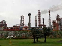 Why Aramco and other foreign oil producers are keen on Indian refining assets