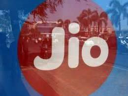 Reliance Jio shops for $8 bn in airwaves auction
